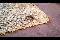 Verwijder koffievlekken op het tapijt - dus het zal werken