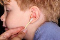 Ear geblokkeerd met oorsmeer - zodat u goed schoon te maken