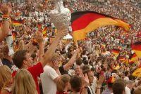 Voetbal - uitbreiding vermeld in toernooi spelen