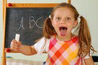 Ontdek de smaak zones van de tong met kinderen in het experiment