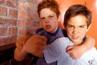 Gewaltätigkeit op de basisschool - wat te doen als uw kind is opvallend?
