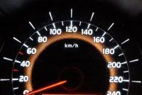 """Renault Laguna 2 toont """"Stop Low Battery"""" op - wat te doen?"""