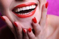 Helpt - verkleurde nagels door nagellak