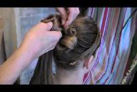 Aanwijzingen voor een opgestoken kapsel met een haarstukje