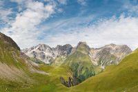 De oversteek van de Alpen door de lange-afstand wandelroute E5
