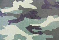 In de camouflage broek naar school - zodat je het kledingstuk goed combineren