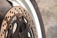Motorfiets band verliest lucht - wat te doen?