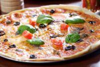 Tuna Pizza produceren zelf - een eenvoudig recept