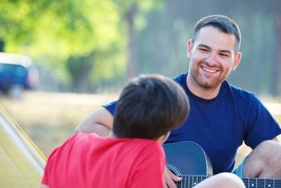 Liedjes begeleiden met akkoorden op de gitaar - zodat je het goed