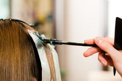 Verwijder haarkleuren op kleding met huismiddeltjes