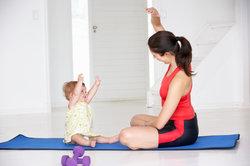 Vijf bekkenbodem vriendelijke sport na de bevalling