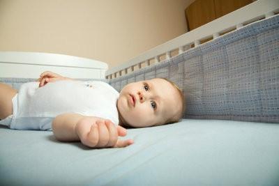 Naai nest voor een kinderbedje zelf - dus het is mogelijk
