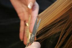 De hete schaar tegen gespleten haarpunten - je moet weten
