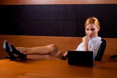 Wat helpt tegen nekklachten?  - Om goed gezeten op een bureaustoel