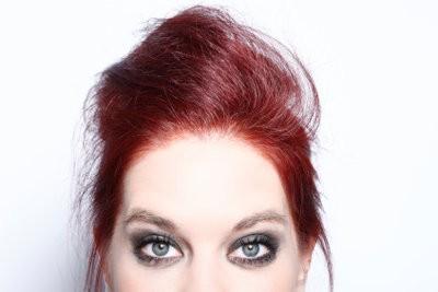 Kleur gebleekt haar rood - het is dus niet te fel