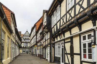 Een oud huis en de kosten van reparaties - Huisvesting Law vs.  Eigendomsrechten