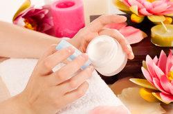 Maak krant nagels met azijn - hoe het werkt